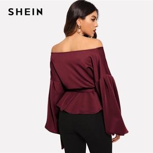 Image 2 - SHEIN Burgundy โคมไฟ Surplice Peplum V เสื้อคอ Modern Lady Bishop เสื้อ \ \ \ \ \ \ \ \ \ \ \ \ \ \ \ \ \ ฤดูใบไม้ผลิ Minimalist Elegant Blouses