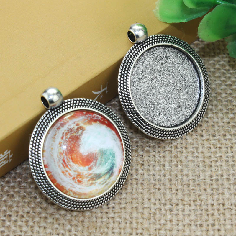 цена на 5pcs/lot 25mm Inner Size Zinc alloy Silver Simple Necklace Pendant Cameo Cabochon Base Base Tray Bezel Blank F-020114