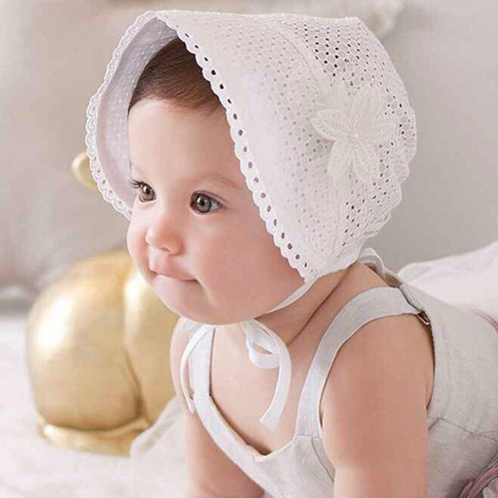 82f0fbdaee390 Bebé dulce princesa Hollow out sombrero Encaje floral Beanie algodón Bonnet  Infante flor CAPS para 0 -12 m