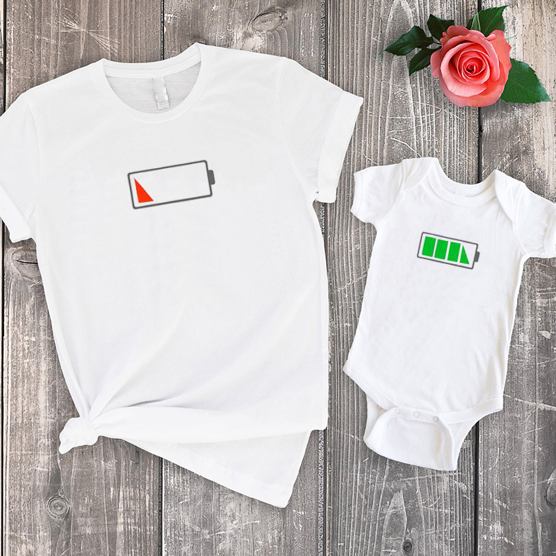 mommy and baby matching shirts battery levels tee mother daughter matching clothes print tops baby girl family look big sister in Matching Family Outfits from Mother Kids