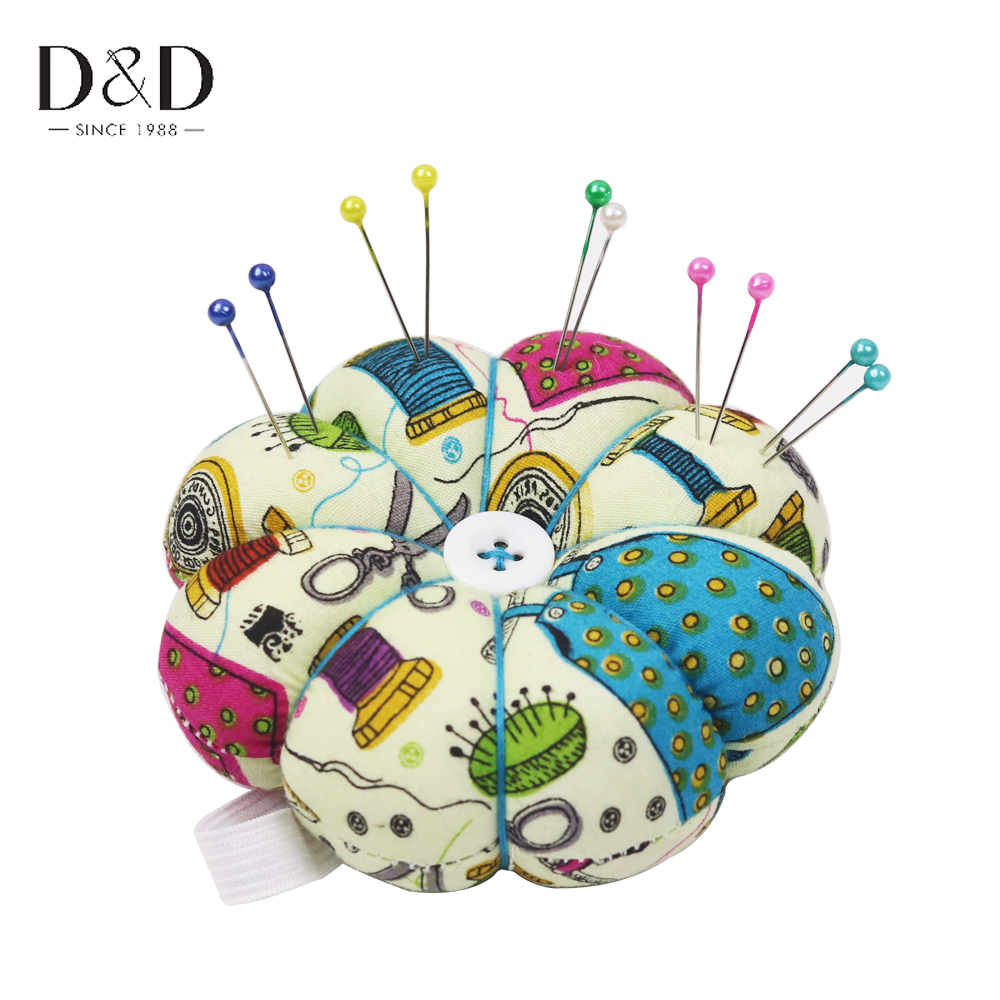 D&D Plaid Cross Stitch Needle Sewing Pin Cushion Button Wrist Strap Holder Home Tailors Safety Craft Tool 2 Colors