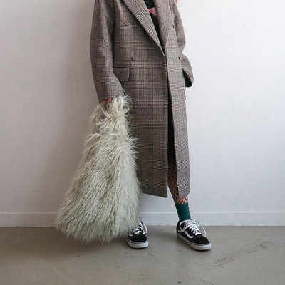 الفاخرة فو الفراء حقائب للنساء حقيبة يد عالية السعة المرأة الشتاء حقيبة كتف الإناث الموضة حمل حقيبة يد الإناث مقبض