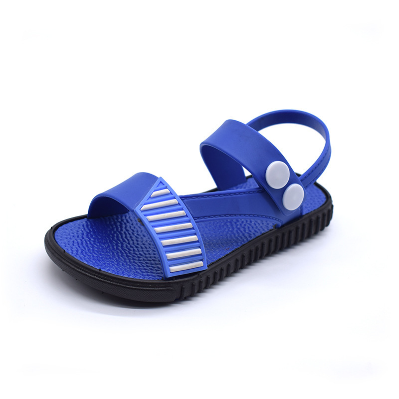 Boy casual beach sandals 2018 new summer childrens beach shoes in the large child Korean version of the non-slip soft boy shoes