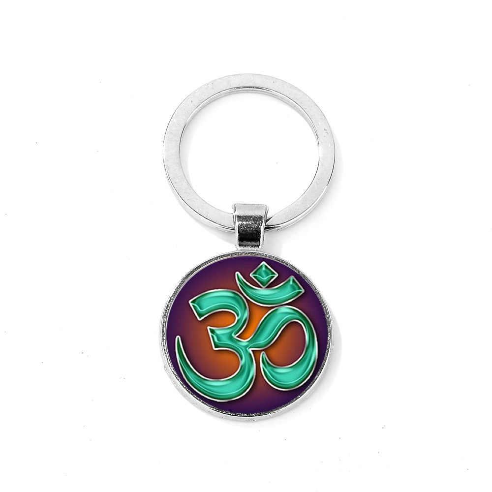 SONGDA OHM OM AUM budda Symbol brelok medytacja ducha srebrny kolor szkło Cabochon brelok do kluczy pierścień hinduskie joga entuzjastów prezent