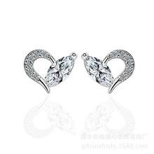 100% 925 Sterling Silver Romantic Love Heart Cubic Zirconia Ladies Stud Earrings Jewelry Wholesale Women Drop Shipping Gift