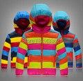 Chaqueta de los niños y niñas de la capa de color modelos de explosión caliente abajo chaqueta con capucha y outwear