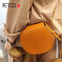 AETOO Handmade leather saddle bag handbags new leather art retro semi circle Sen small bag Messenger bag