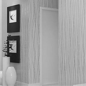 Image 2 - Из нетканого материала модные тонкие стекаются вертикальные полосы обои для Гостиная диван Задний план стены дома обои 3D серый серебристый