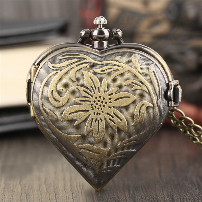 Vintage Bronze Flower Love Heart Quartz Pocket Watch Necklace Pendant Pendant Chain Creative Lover Gift Women Couple Watches