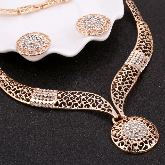 MINHIN Women Delicate Gold Bridal Jewelry Sets Rhinestone Pendant Collar Bracelet Crystal Earrings Rings Wedding Accessories 3