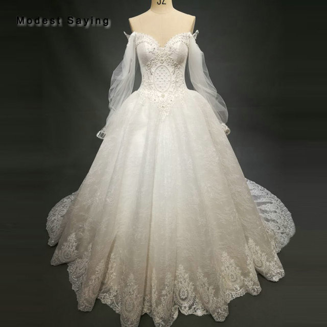 Romantic Dropped Back Ball Gown Sweetheart Pearls Lace Wedding Dresses 2018 White Beaded Long Sleeves Bridal Gown abiti da sposa