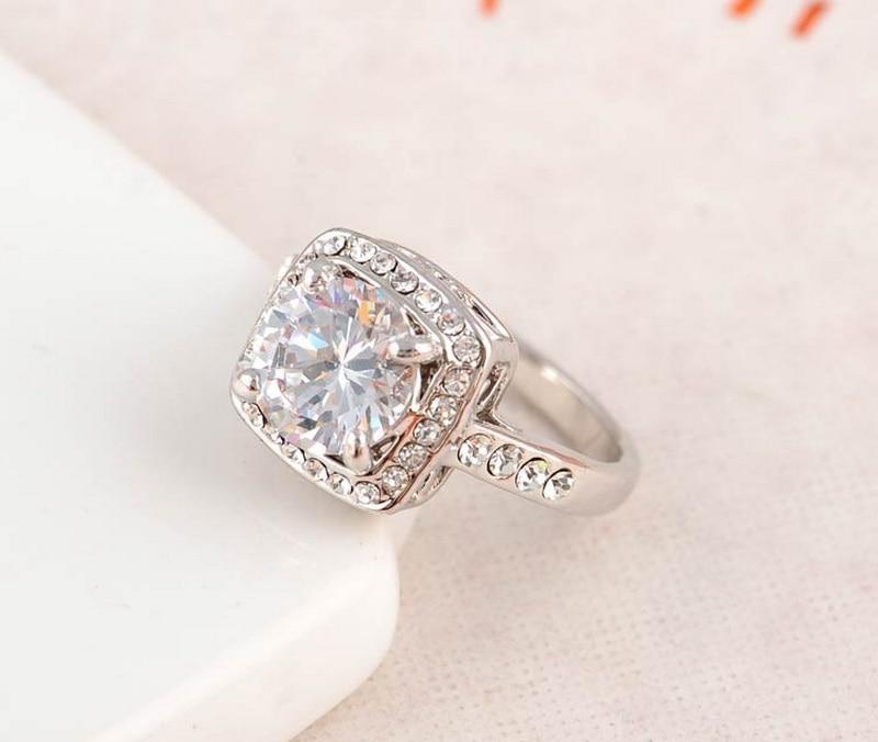 100% QualitäT Koreanische Version Persönlichkeit Rechteck Strass Legierung Metall Ringe Romantische Hochzeit Engagement Ringe Frauen Mädchen Mode Schmuck