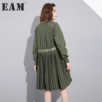 EAM 2017 New Autumn Solid Color Round Neck Army Green Loose Pleated Irregular Split Joint