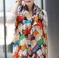 El envío libre 2016 Nueva Novela Mujeres Figura de Dibujos Animados de moda cabo de la bufanda de seda pañuelos de gasa de terciopelo