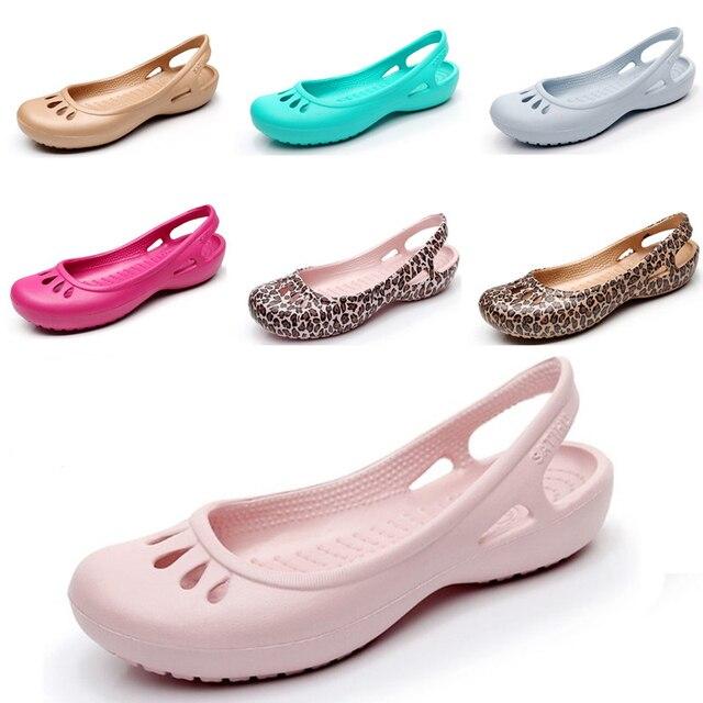 f43dd0e1653b7f 2018 Women s fashion Clog Shoes Sandals Sweet Cute Jelly Shoes Women Casual Sandals  Garden Lady Beach Plastic Shoes W5-9