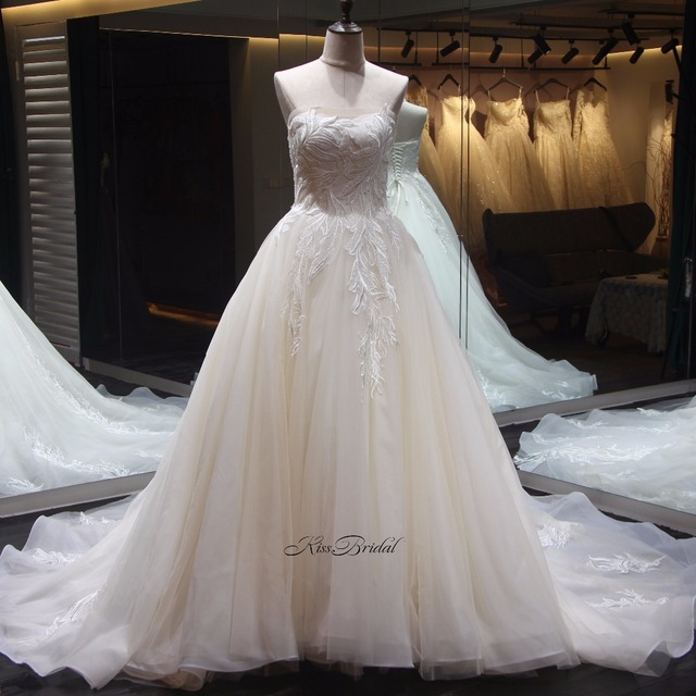 Stunning Strapless Wedding Dress A-line robe mariage Corset Back Appliques Tulle Wedding Bridal Gowns 2018
