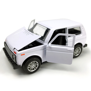 Image 3 - סגסוגת Diecast רכב 1:28 סולם לאדה ניבה 1:32 סולם Priora/2106 דגם רכב אספנות צעצוע למשוך בחזרה רכב עם קול & אור