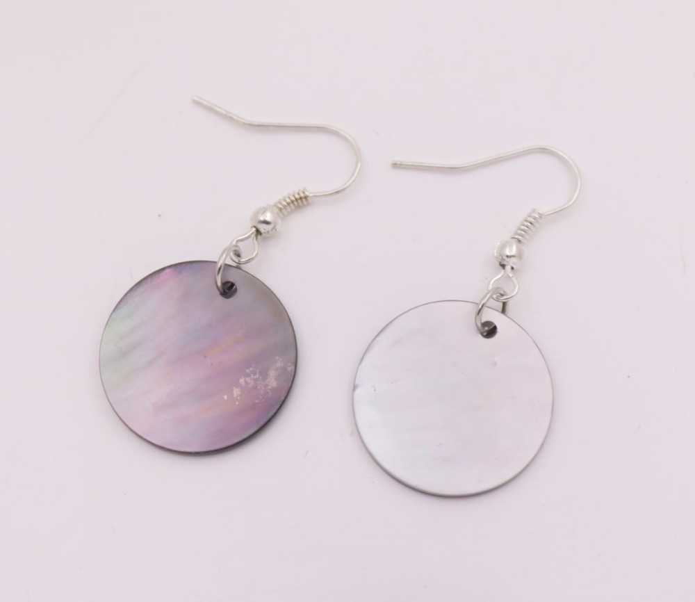 Купить с кэшбэком 20mm Natural Black Coin Shell Mother of Pearl Drop Dangle Silvery Hook Earring