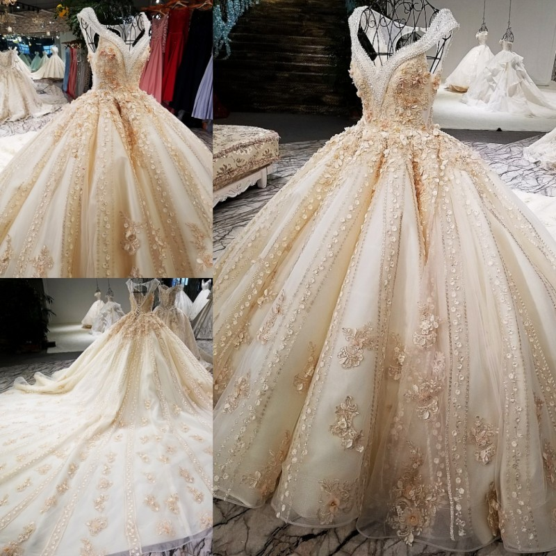 2018 Luxury wedding dress V-neck ball gown lace up back champagne elegant bridal wedding gowns with long train