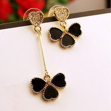 Korean Jewelry Invincible Delicate Heart Imitation Diamond Earrings Wholesale Asymmetric Clover Female Personality