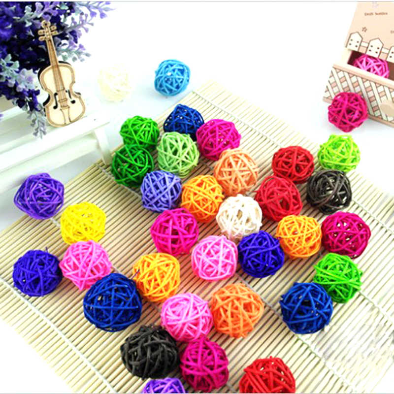 1piece Rattan Wicker Cane Colorful Pet Bird Claw Paw Chew Toys Parrot Bites Ball Harness Parakeet Cage and decor for Party