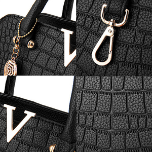 Image 5 - Женские модные дизайнерские сумки из крокодиловой кожи с V образным вырезом и буквами, роскошные качественные женские сумки через плечо, сумка мессенджер с бахромой