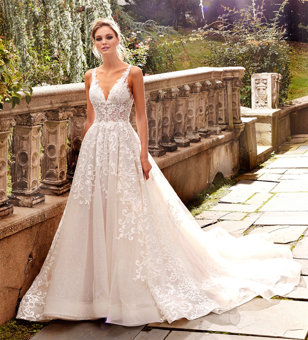 Hot V Neck Lace Wedding Dresses A Line Appliques with Court Train Long Bridal Gown Sexy