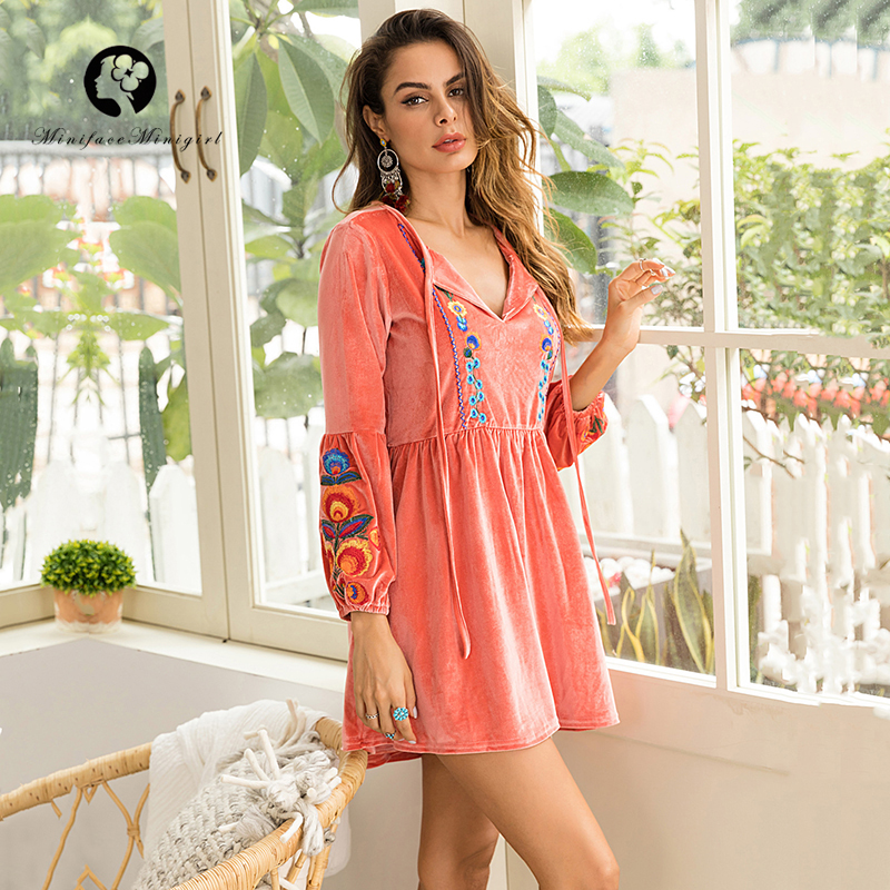 Pink Short Casual Autumn Velvet Dress Women V Neck Floral Print Embroidery Long Sleeve Velour Mini Dresses Vestidos 2018