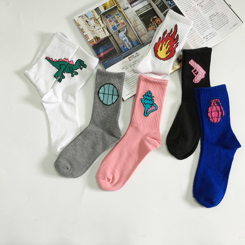 2018 new cotton socks male and female personality cartoon Harajuku style wild fun casual Socks