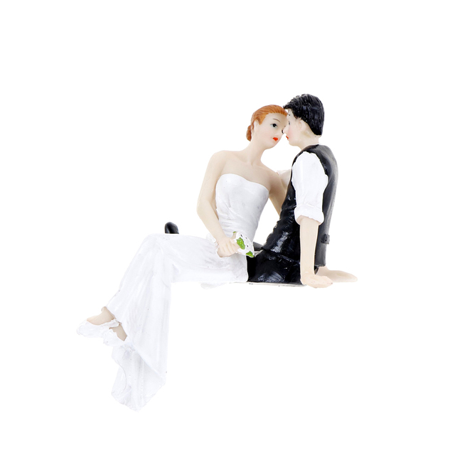 High Quality Synthetic Resin Bride Groom Wedding Cake Topper Romantic Party Decoration Adorable Figurine Craft Gift