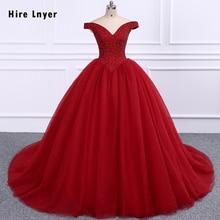 THUÊ LNYER Đầy Đủ Beading Pha Lê Vạt Áo Ngọc Trai Váy Thêm Thô Vải Tuyn Bên Trong Với 6 Vòng Váy Lót Burgundy Quinceañera Dresses