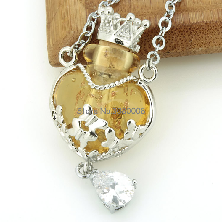 0.5ml High fashion multi-color fine glass heart heart oil bottle necklace accessories