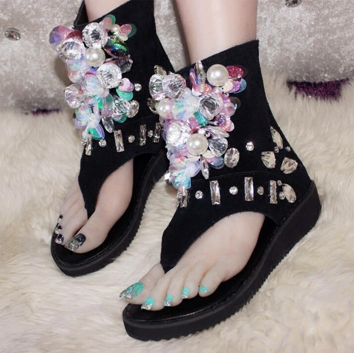 Sexy Clip-toe Gladiator Sandals Women Crystal String Bead Decor Flip Sandal Black Suede Peep Toe Flat Platform Sandals Woman