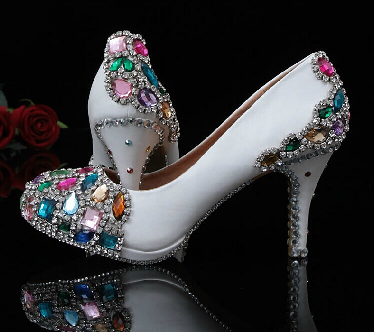 Gorgeous And Fashion Handmade White Bridal Shoes Wedding Shoes Popular High Heel Dress Shoes Crystal Women's Shoes Formal Shoes aidocrystal bridal white jewelry handmade women wedding bag and shoes set