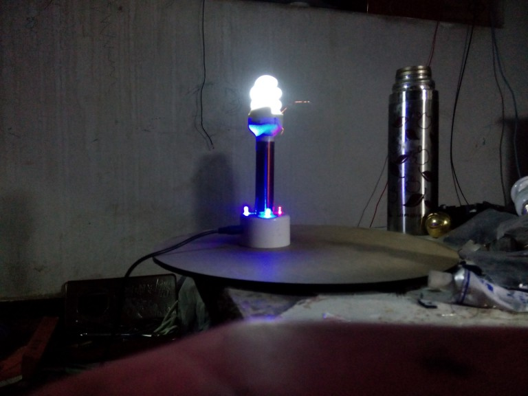 Small Tesla coil super mini Tesla coil wireless transmission experiment tesla coil music diy arc homemade plasma speaker miniature