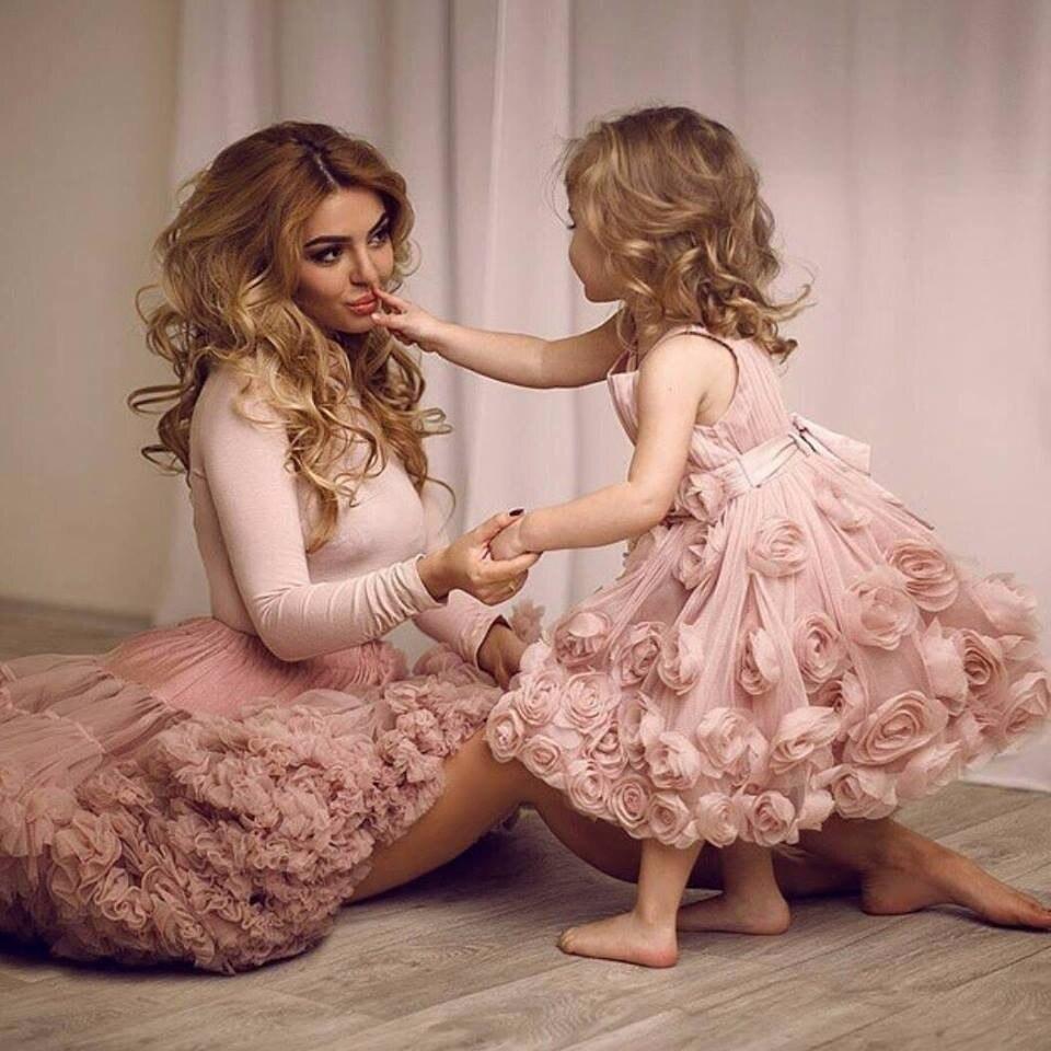 где купить 2017 New Blush Pink Flowers Ball Gown Flower Girl Dresses Charming Sleeveless O-neck Knee Length First Communion Gowns Vestidos по лучшей цене