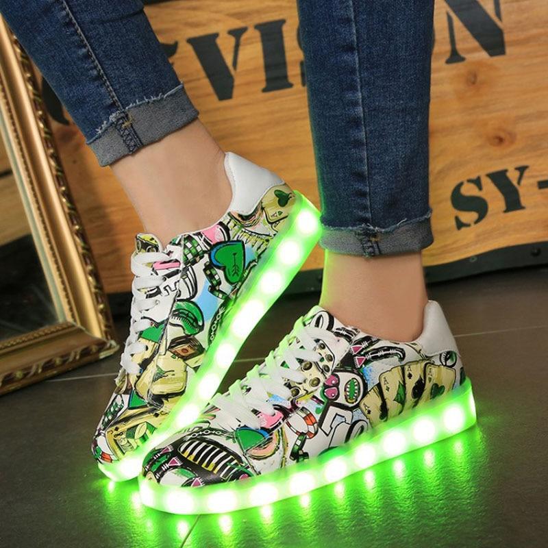 Lysende glødende sneakers børn børn ledesko med lys op LED slipper drenge piger lysende sneakers førte hjemmesko