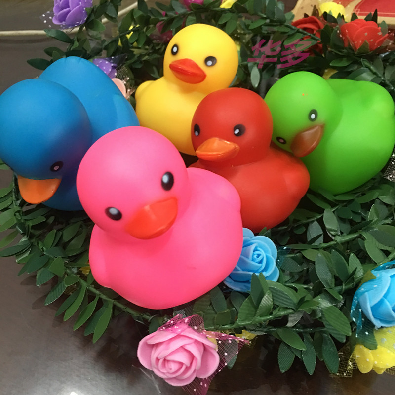Kawaii Colorful Rubber Float Squeaky Sound Duck Bath Toy Baby Bathroom Water Pool Funny Toys for Girls Boy Gifts jumbo 7cm 5pcs