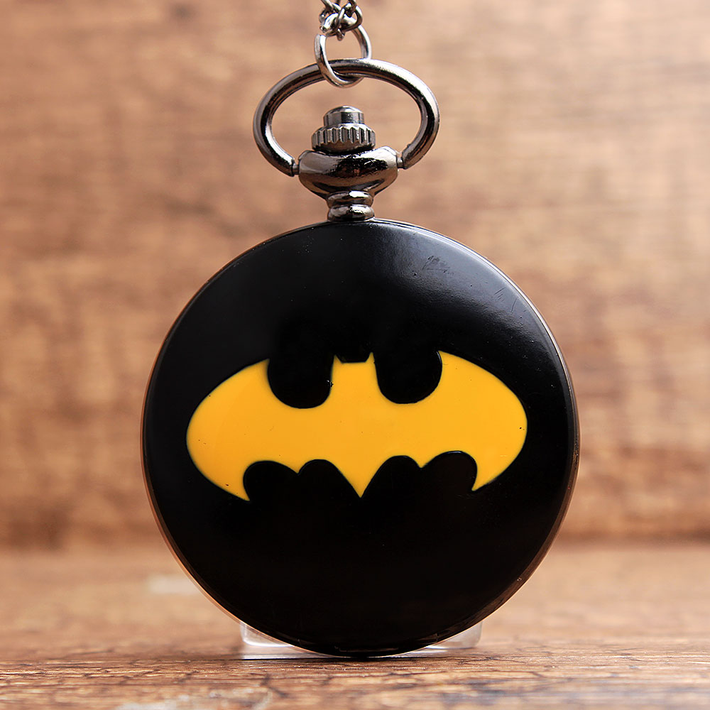 ახალი Batman ყელსაბამი Flip Pocket Watch მამაკაცის ქალთა მოდა მოდის შავი გლუვი ვოლფრამი ფოლადის Fob კვარცის საათი ჯაჭვის გულსაკიდი საჩუქრით