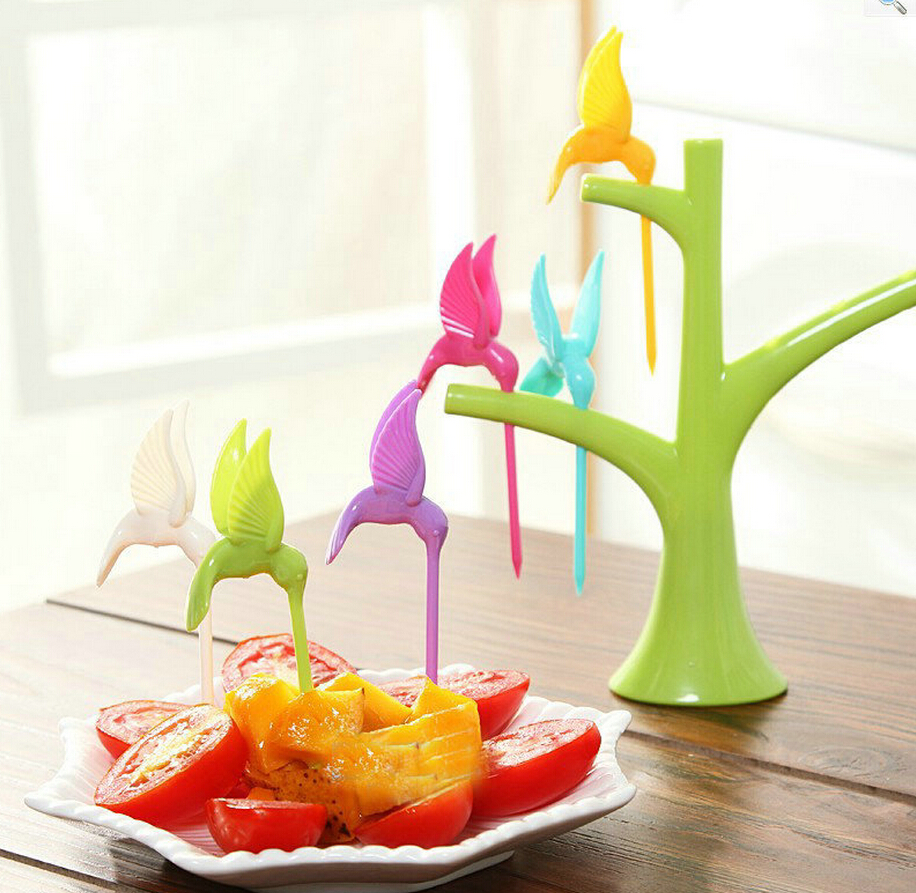 2017 New Kitchen Accessories Cooking Fruit Vegetable Tools Creative Fruit Fork Toothpick Gadgets