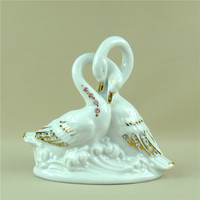 Unique Porcelain Swan Couple Miniature Rhinestone Ceramics Lovers Figurine Decoration Gift Craft Ornament for Girfriend and Wife