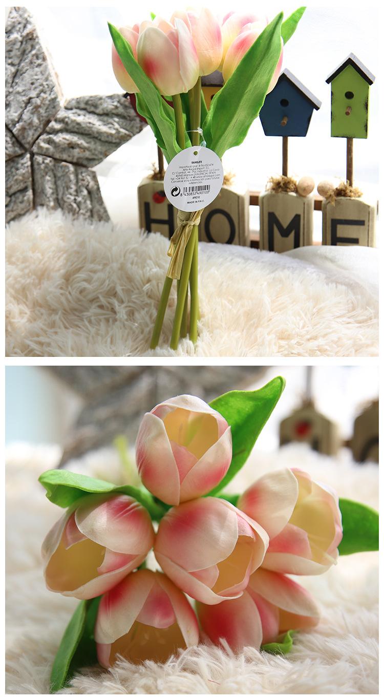 Một lô hoa Tulip mẫu M-173 gồm 6 bông (cành) hoa