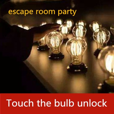 Magical Discoloration magic Colourful Touch the light bulb to unlock Takagism adventure game real life human chamber room escape