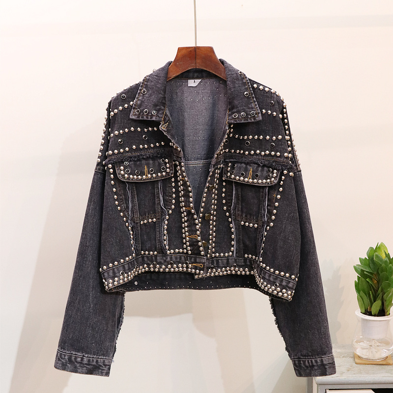 2018 Autumn Ripped Jeans Jacket Woman New Fashion Rivets Loose Short Denim Jackets Coats Girls Student Street Wear Basic Coat