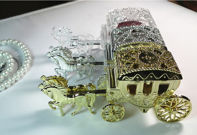 Free Shipping 12pcs Royal Carriage Wedding Favor Candy Box Horse Cart For Invitations Holiday
