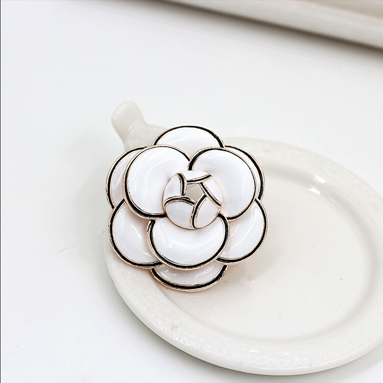 2.2CM*2.2CM Brand Camellia Pin Brooch Clothes Silk Scarf Animal Flower Brooches For Women Jewelry C style Flower Broche Broach