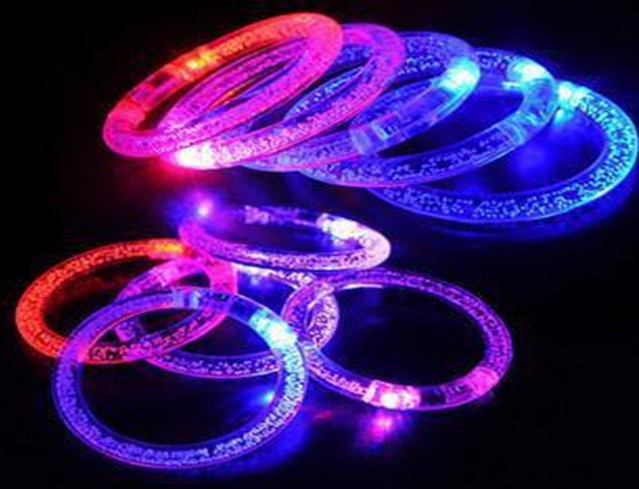 2016 Rushed Led Toys Juguetes Basket Lumineuse 12pc  Flashing Acrylic Bracelet Light-up Wristband Luminous  Multi-color