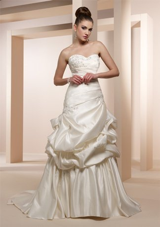 High quality !hot sale! strapless ruffles weep train embroidery taffeta weep train ball gown wedding dress 2013