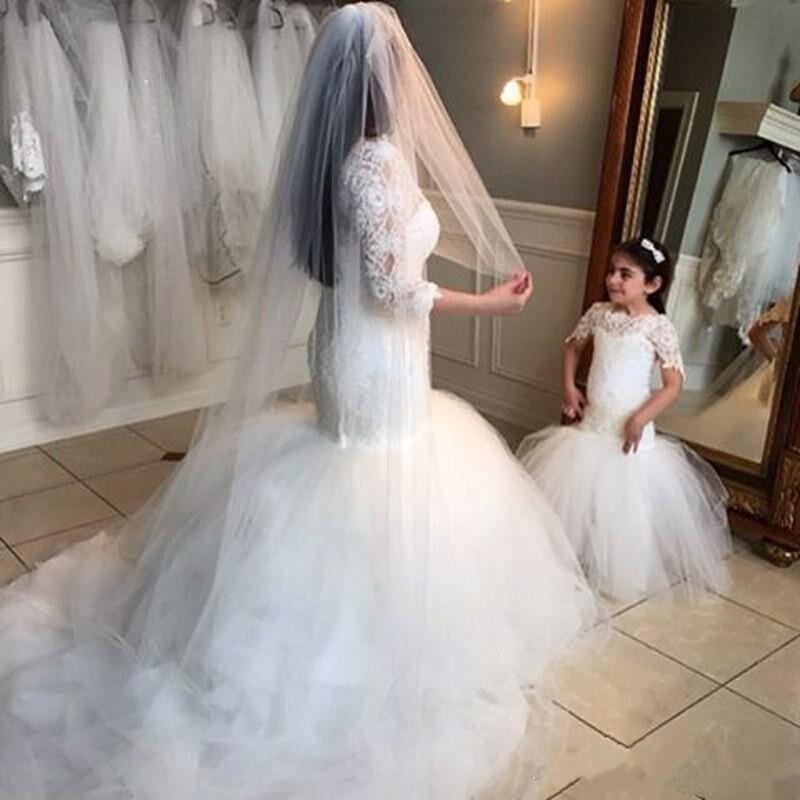 Здесь можно купить  Lace 2019 New White Flower Girl Dresses Short Sleeves Baby Girl Birthday Party Christmas Gown Girls First Communion Dresses    Детские товары
