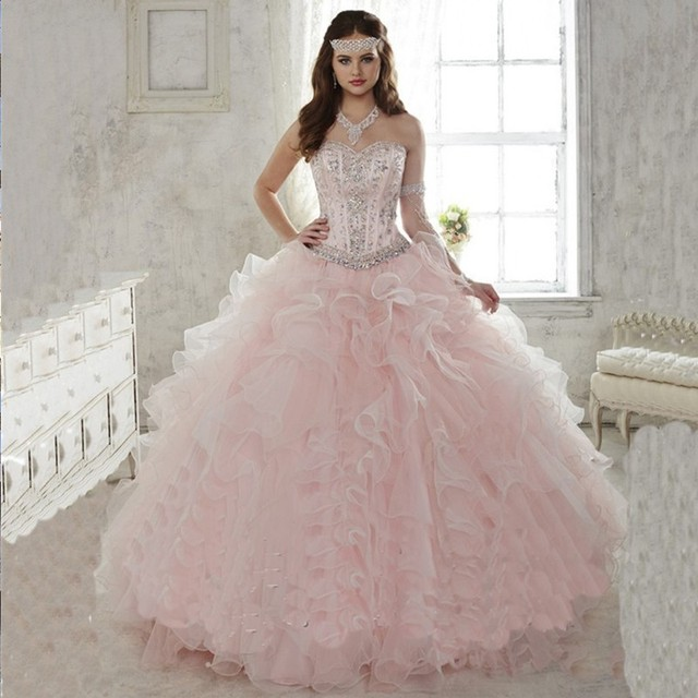 Abiye 2017 Hot Light Pink Quinceanera Vestido de Baile Querida Ruffled Train Destacável Quinceanera Vestido de Debutante